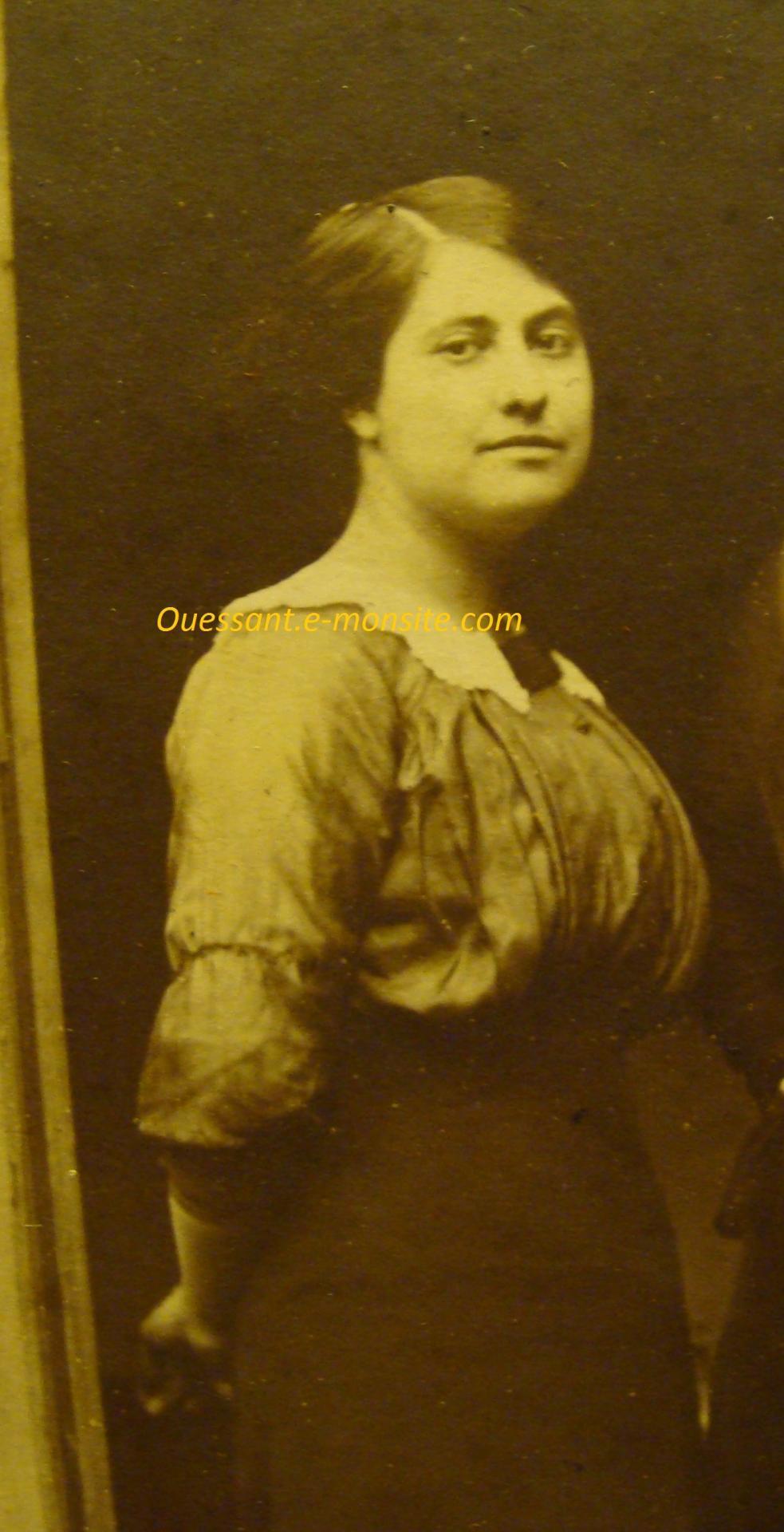 Antoinette Mennecier