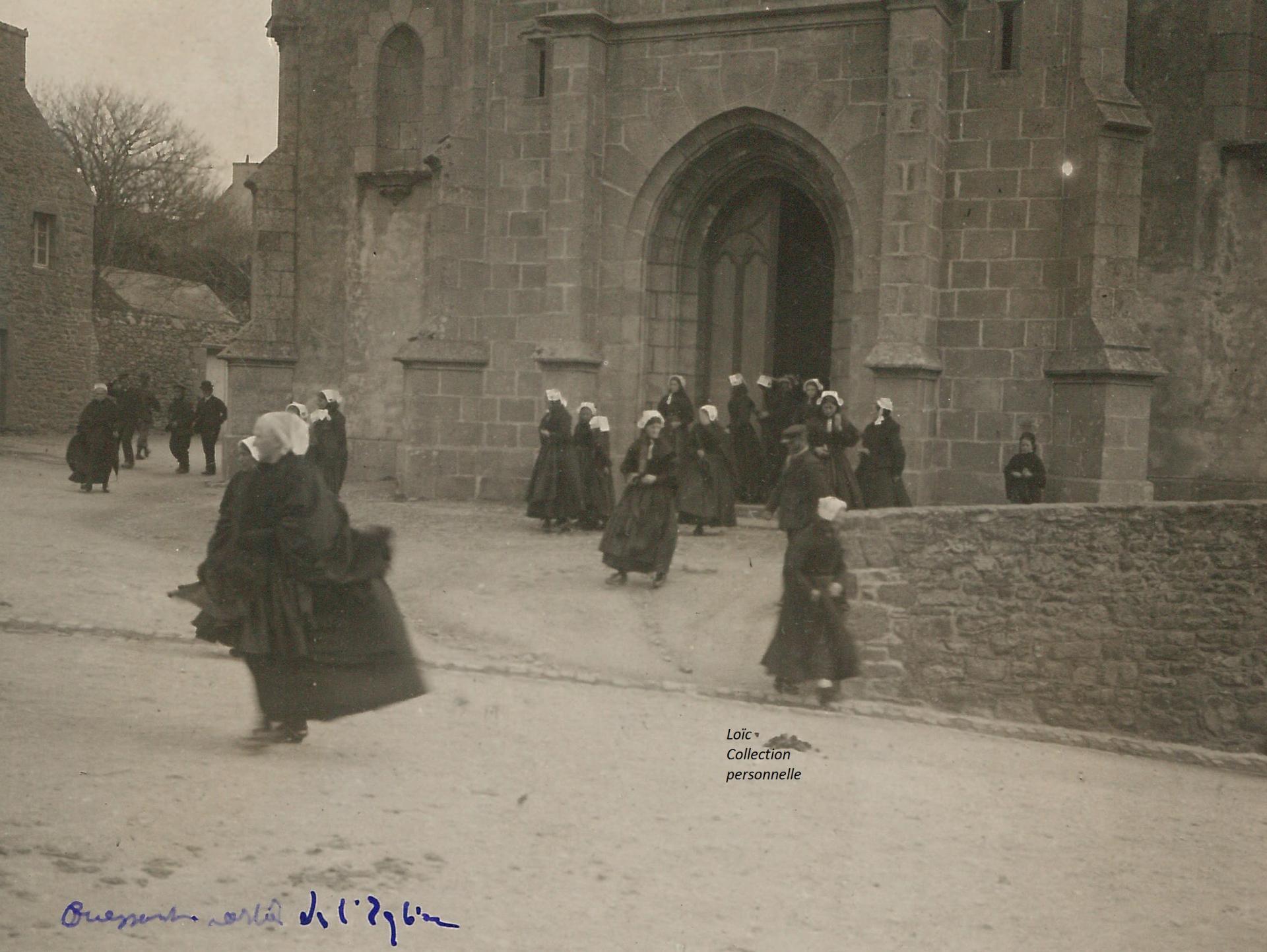 Sortie de messe à Ouessant